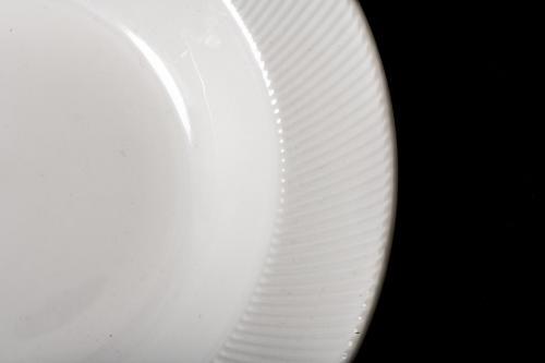 White Plate Rim Detail